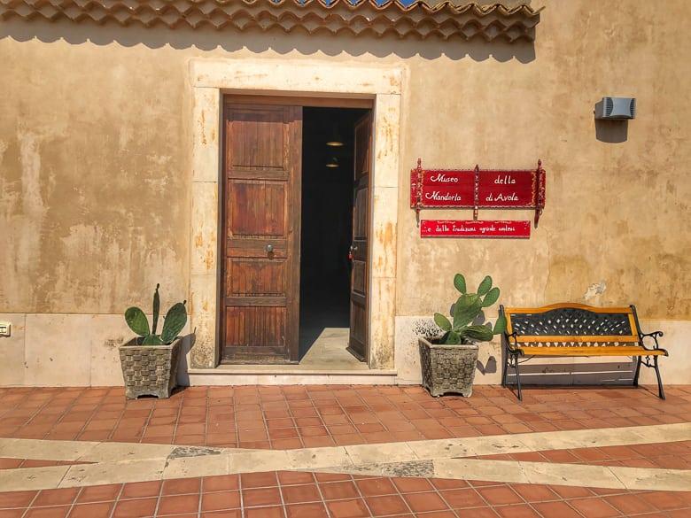 Il museo della Mandorla di Avola e delle tradizioni agricole avolesi