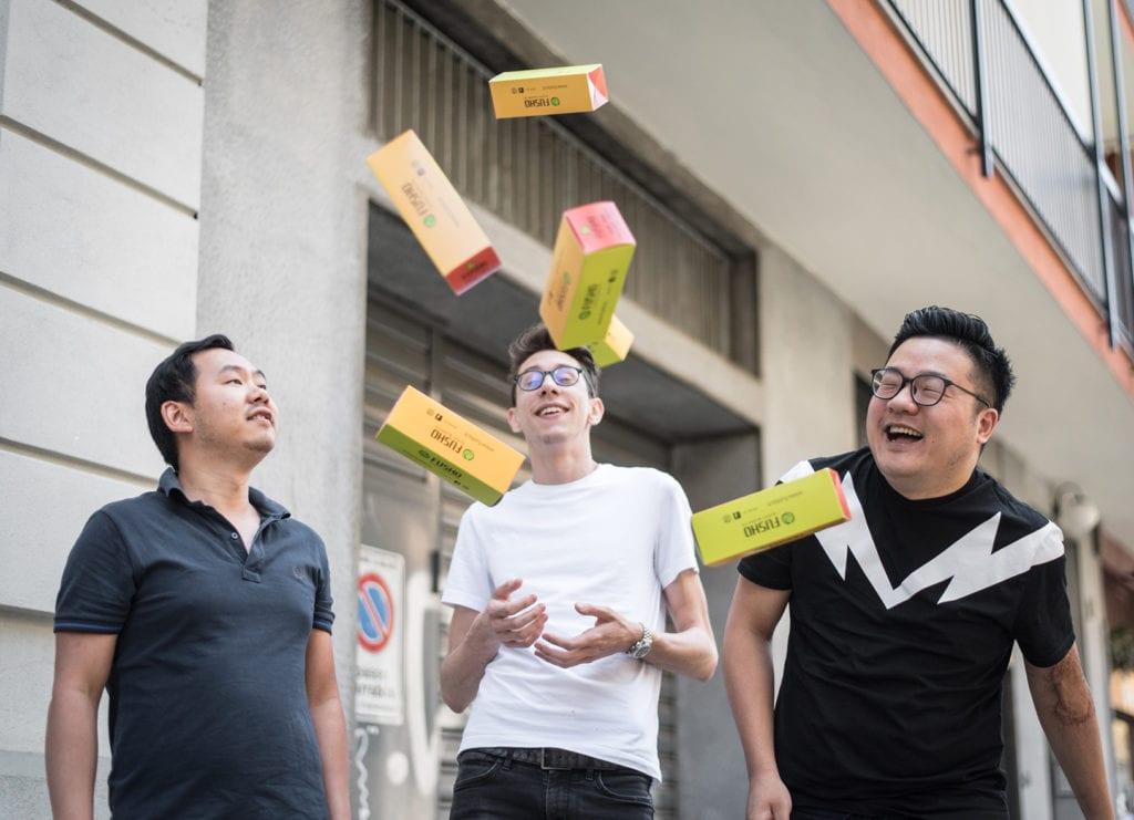 I tre giovani soci di Fusho: Jay Lin, Alex Pan, Sam Ye trentenni cinesi di Wenzhou, con Davide Croatto