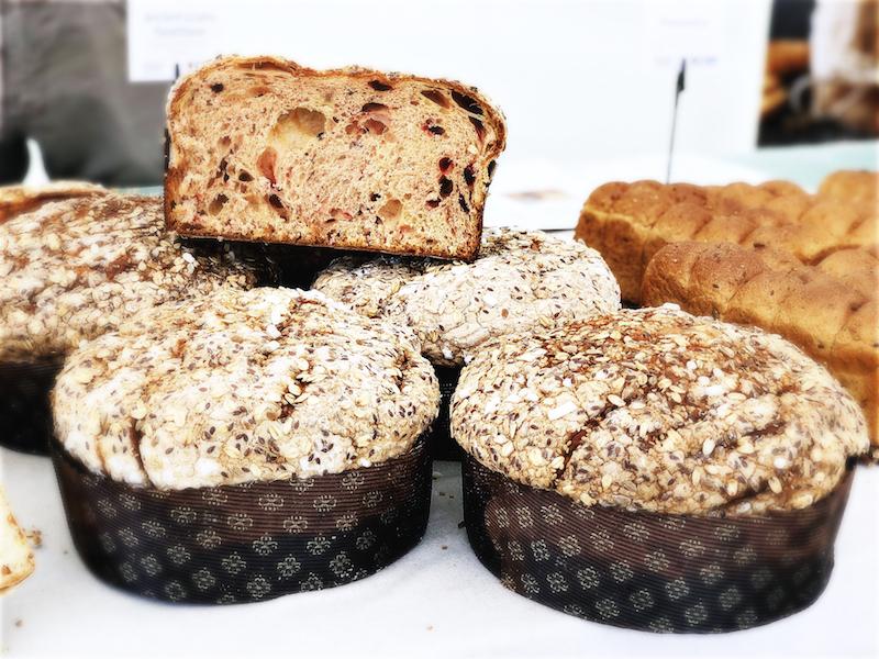 Alcuni dolci lievitati con farine e cereali antichi. Panettoni e panfrutto