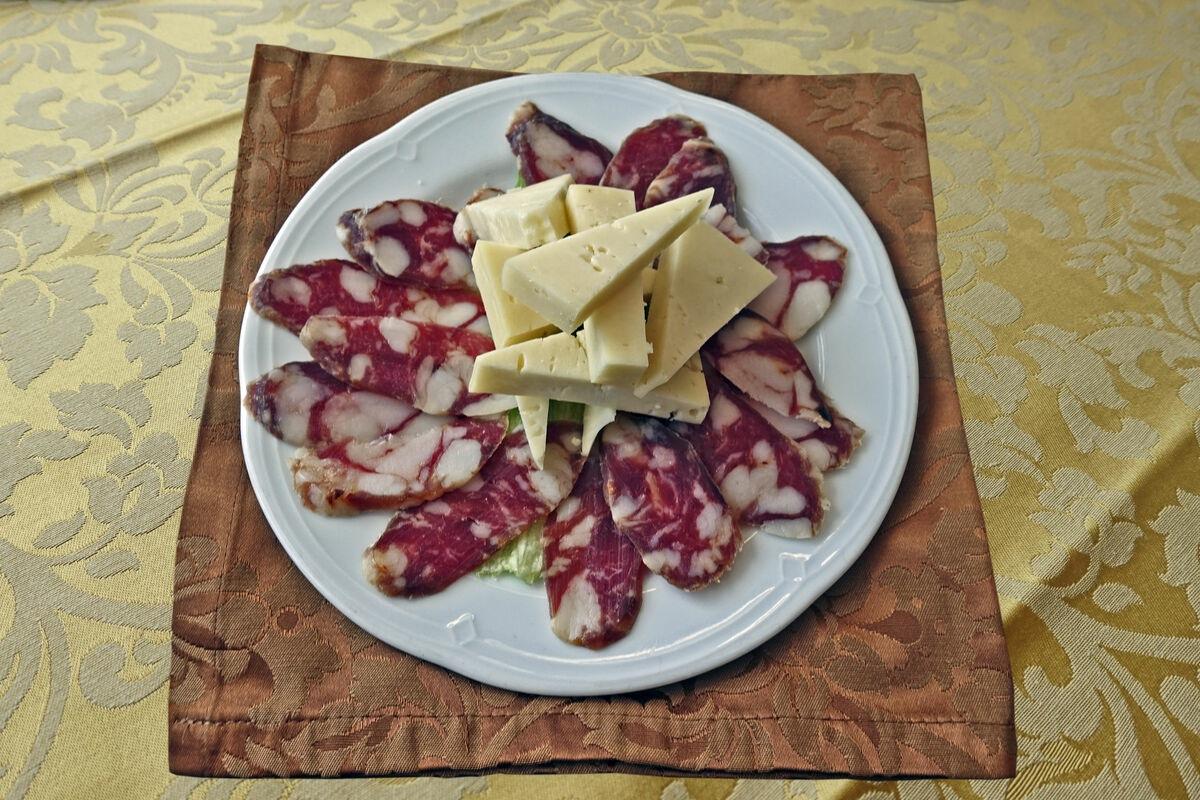 salame-sant-angelo-prodotti-tipici-siciliani.jpg