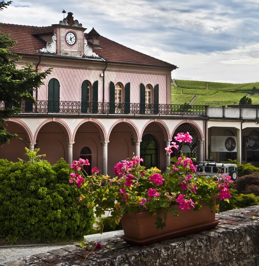 Villaggio Fontafredda Langhe