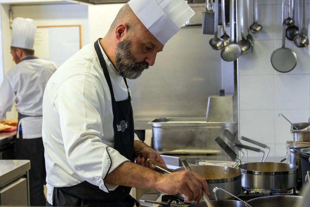 Chef Matteo Sormani al lavoro - Enogastronomia di montagna - Walser Schtube, Riale - Alta Valle Formazza